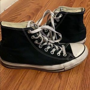 Converse Shoes - Black High-Top Convese
